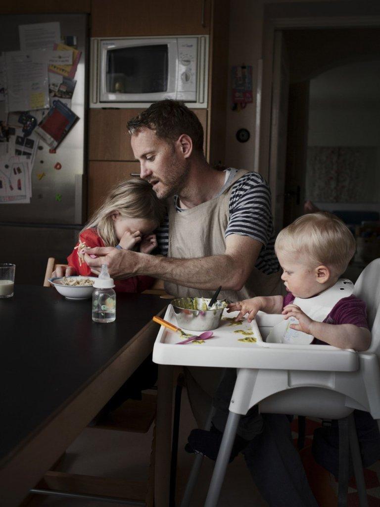Tata z dziećmi