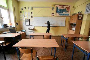 Awans nauczyciela wydłuży się z około 10 do 15 lat. Trudniej o podwyżki
