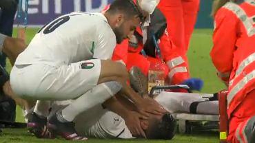 Kontuzjowany Leonardo Spinazzola w meczu Belgia - Włochy w ćwierćfinale Euro 2020