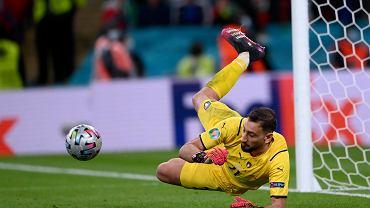 Kontrowersje wokół karnych w meczu Włochy - Hiszpania.
