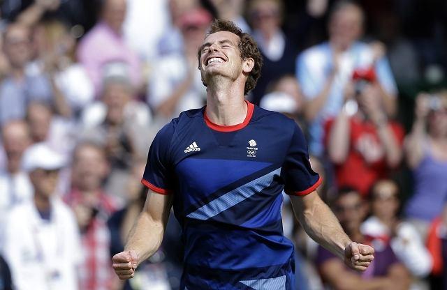Andy Murray zdobywa złoty medal olimpijski na igrzyskach w Londynie, pokonując w finale Rogera Federera 6:2, 6:1. 6:4