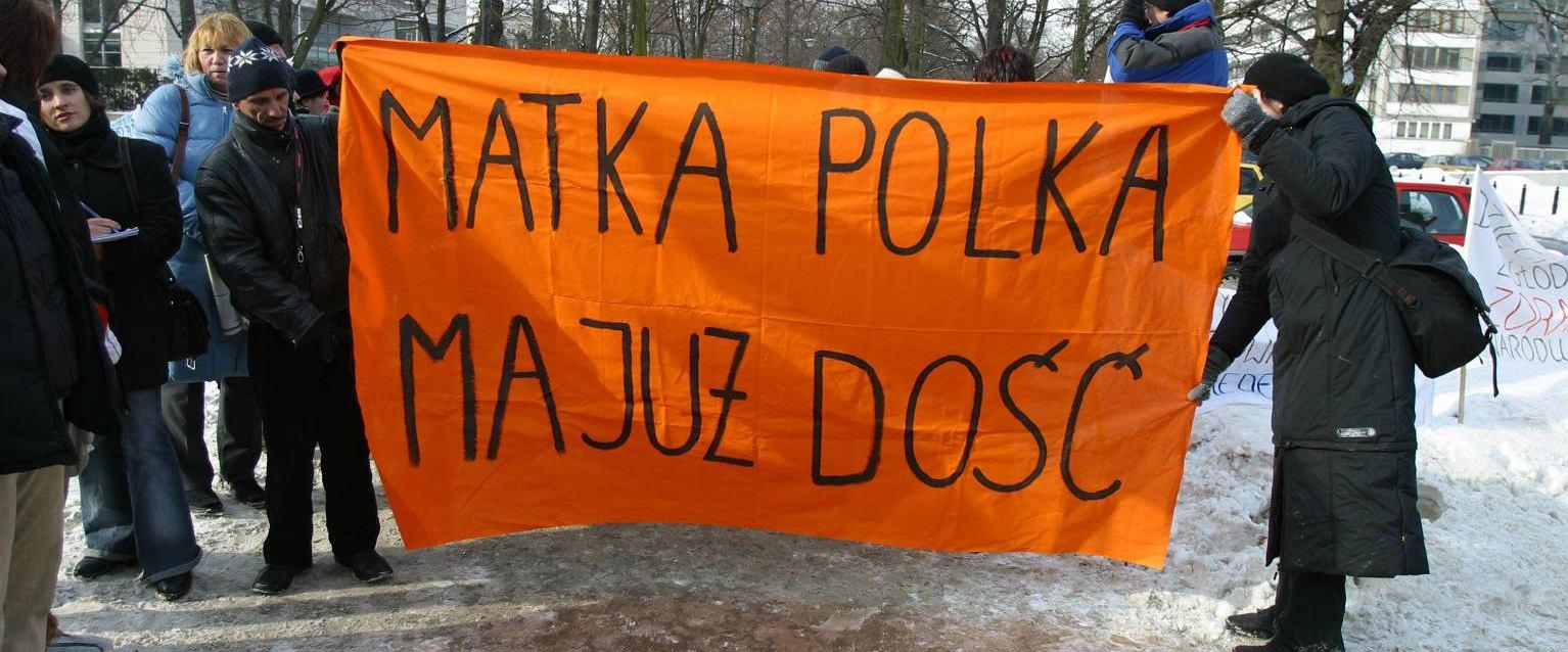 Samotne matki protestują przeciwko zmianie ustawy alimentacyjnej (for. Anna Bedyńska/Agencja Gazeta)