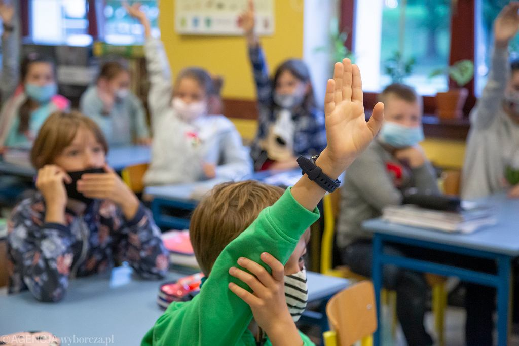 2.09.2020, Białystok, pierwszy dzień nauki w Szkole Podstawowej nr 3