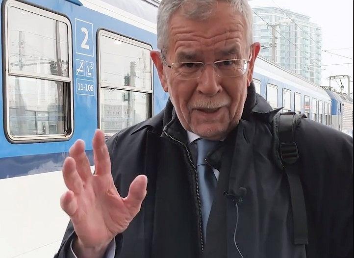 Alexander Van der Bellen, prezydent Austrii, w drodze na COP24 w Katowicach