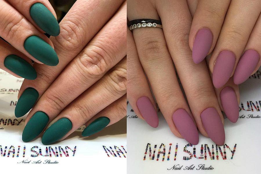 Matowe paznokcie w kolorze butelkowej zieleni z pewnością zrobią wrażenie!