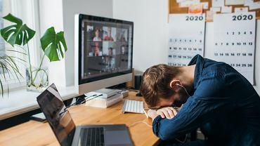 Jednym z najczęstszych długotrwałych objawów COVID-19 jest zmęczenie.