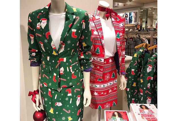 W sklepach znajdziemy nie tylko sweterki z Mikołajem, ale też świąteczne garsonki i garnitury