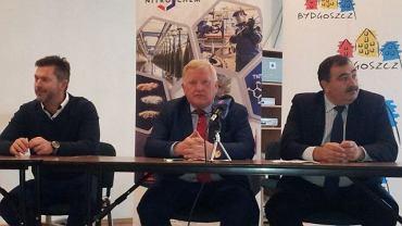 Od prawej: Tomasz Ptaszyński, Janusz Zacniewski i Piotr Makowski