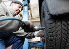 Głośny apel o obowiązek zmiany opon. Aż 1/3 Polaków jeździ w zimę na letnich