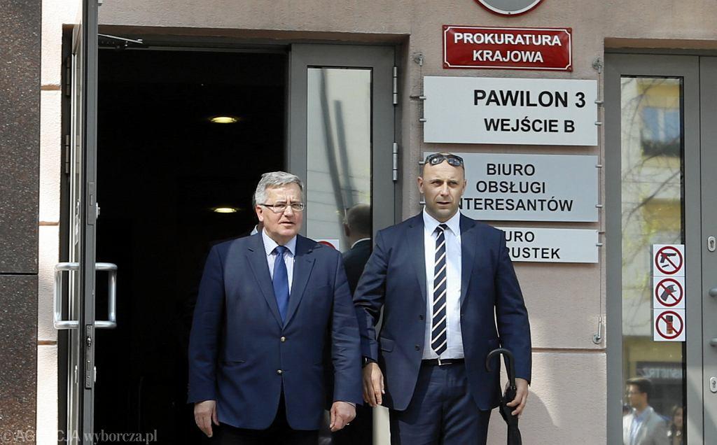 Bronisław Komorowski po przesłuchaniu w związku z katastrofą smoleńska