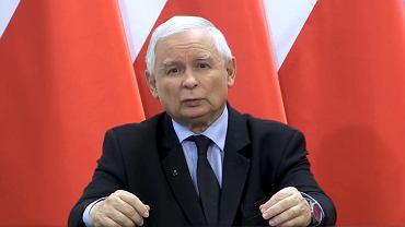 Jarosław Kaczyński wygłasza oświadczenie