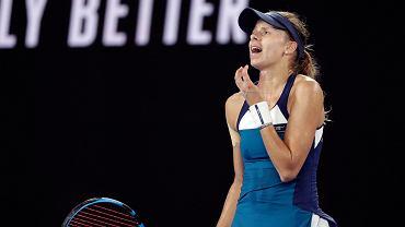 Magda Linette podczas meczu z Naomi Osaką w Australian Open