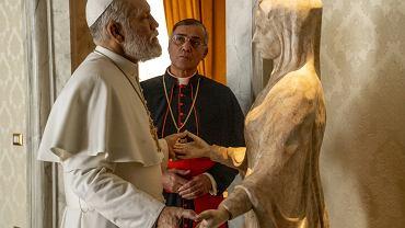 Kadry z serialu 'Nowy papież' HBO.