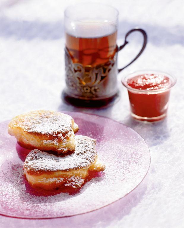 Drożdżowe ruchanki z cukrem pudrem
