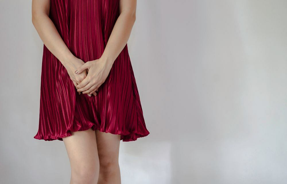 Zapalenie szyjki macicy może przebiegać bezobjawowo, ale to nie oznacza, że infekcję można zlekceważyć. Powikłania pozapalne bywają bardzo poważne