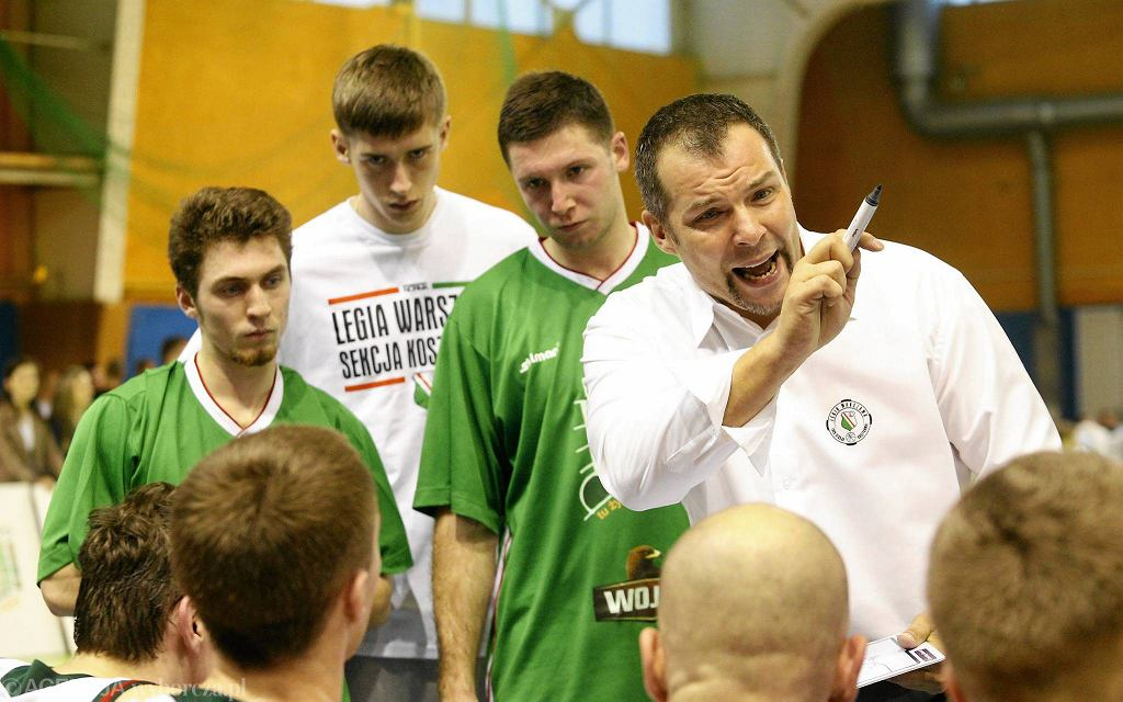 Trener Piotr Bakun z zespołem Legii