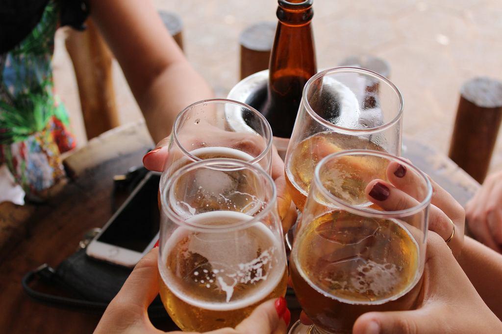 Czy piwo tuczy? Ile kalorii znajdziemy w piwie jasnym? A..