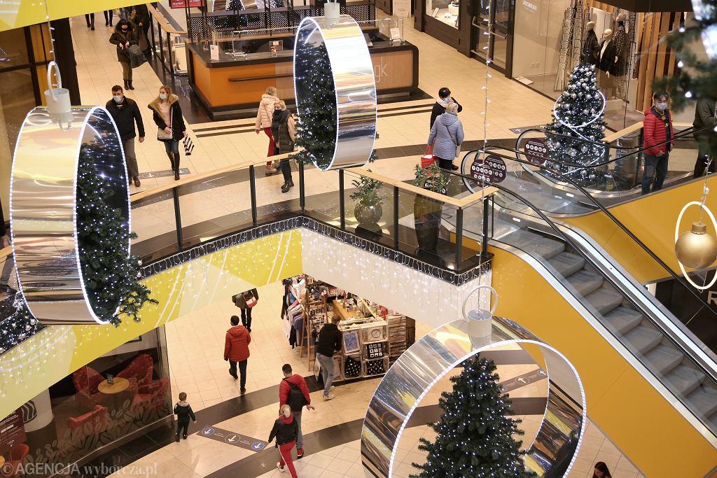 Jakie sklepy otwarte w drugi dzień świąt?