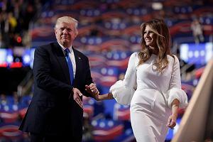 Nikt nie chce ubierać Melanii Trump? Sprawdzamy, o co naprawdę chodzi w najważniejszym konflikcie świata mody