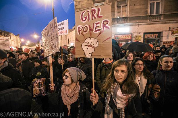 Zdjęcie numer 0 w galerii - Protest kobiet w centrum Lublina. Mocne ostrzeżenia dla rządu [ZDJĘCIA]