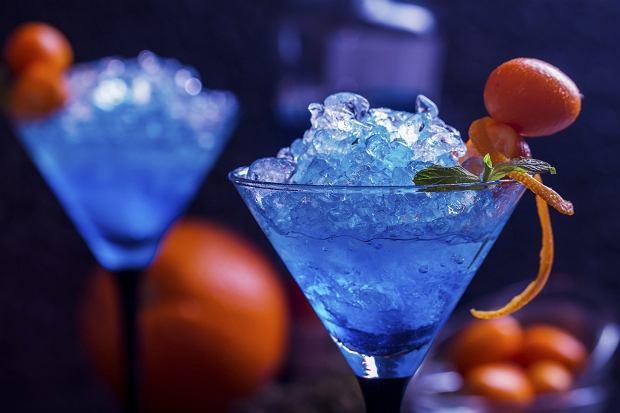 Blue Curacao to składnik wielu popularnych drinków.