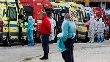 Kolejki karetek przed portugalskimi szpitalami