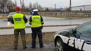 Wspólny patrol policji i Żandarmerii Wojskowej