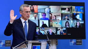 18.02.2021, Bruksela, sekretarz generalny NATO Jens Stoltenberg na konferencji prasowej po telekonferencji ministrów obrony krajów NATO
