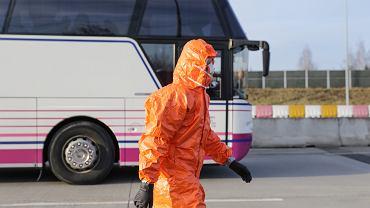 Kontrola sanitarna na przejściu granicznym z Czechami