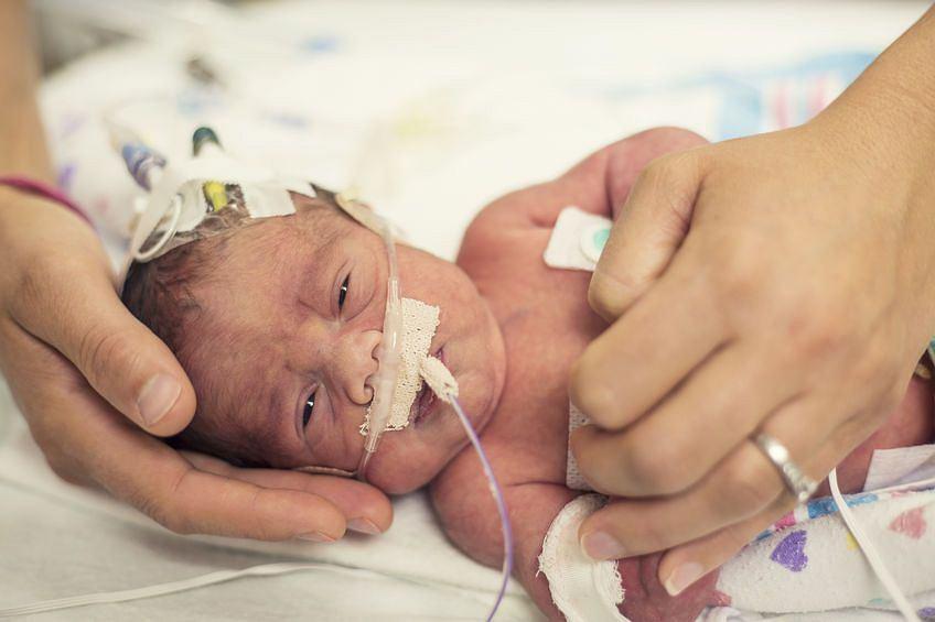 Wcześniak wszystkie bodźce z otoczenia odbiera dużo mocniej, niż dojrzały noworodek