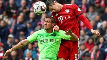 Robert Lewandowski głową zdobył 22. gola w tym sezonie Bundesligi