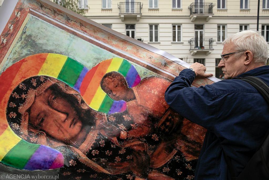 Manifestacja Obywateli RP pod MSWiA po zatrzymaniu Elżbiety Podleśnej