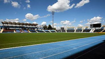 Stadion Zawiszy - w tle trybuna B