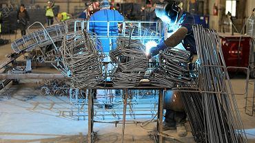 Produkcja przemysłowa, zdjęcie ilustracyjne.