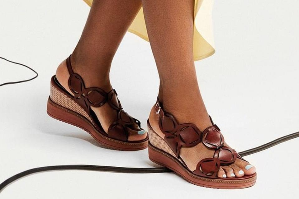 Modne sandały na platformie