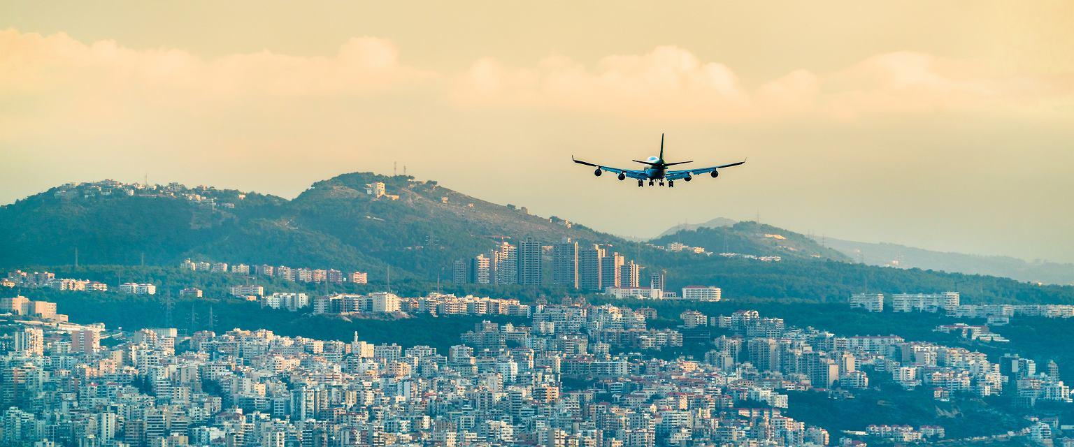 Krzysztof jest pilotem, od dwóch lat lata boeingiem 767 w wersji cargo, głównie pomiędzy dużymi portami: do Bahrajnu, Kuwejtu, Bejrutu, Afganistanu, Indii (Shutterstock.com)