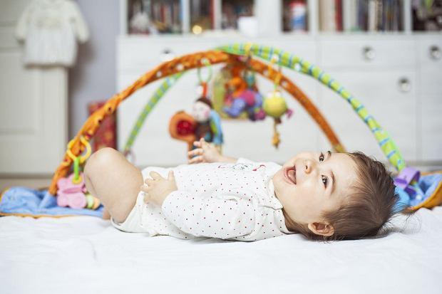 Maty edukacyjne dla dzieci: od kiedy używać i którą wybrać?