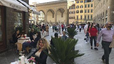 Szef włoskiego MSZ zapowiada zniesienie minikwarantanny dla podróżnych z UE. Do tej pory osoby, przejeżdżające do Włoch z państw Unii musiały poddawać się pięciodniowej kwarantannie