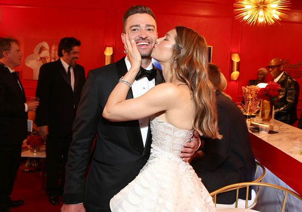 IMAGE DISTRIBUTED FOR THE TELEVISION ACADEMY - EXCLUSIVE - Justin Timberlake, left, and Jessica Biel pose in the Lindt Chocolate Lounge at the 70th Primetime Emmy Awards on Monday, Sept. 17, 2018, at the Microsoft Theater in Los Angeles. (Photo by John Salangsang/Invision for the Television Academy/AP Images)