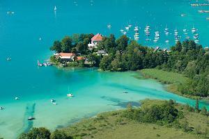 Dlaczego powinniście pojechać do Klagenfurtu latem? Jeden z powodów to najcieplejsze alpejskie jezioro
