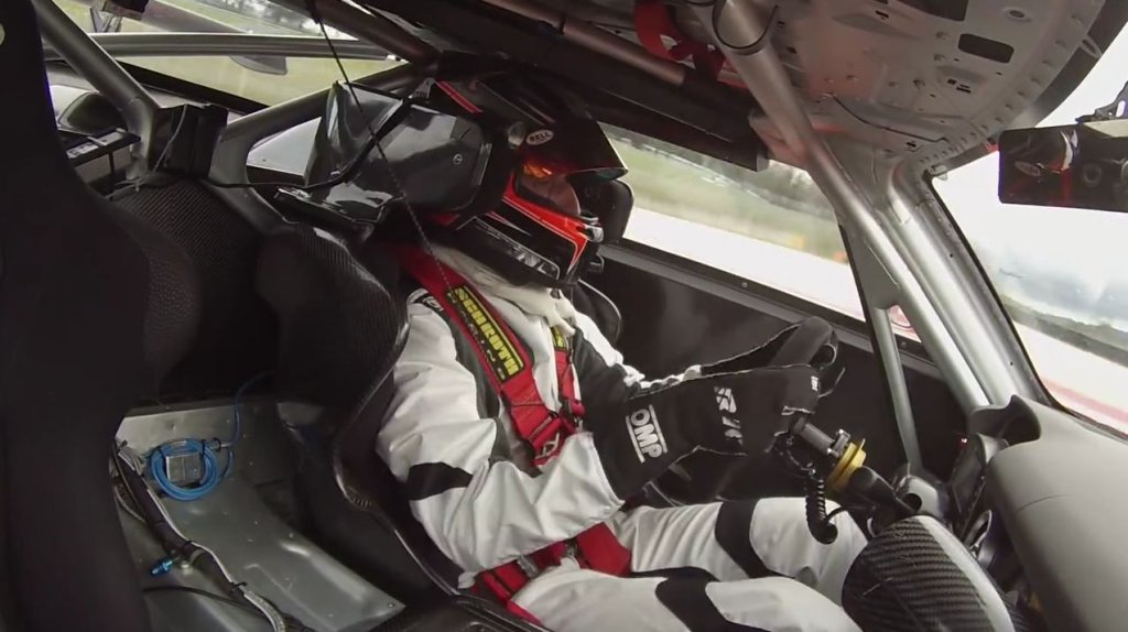 Robert Kubica za kierownicą Mercedesa SLS AMG GT3