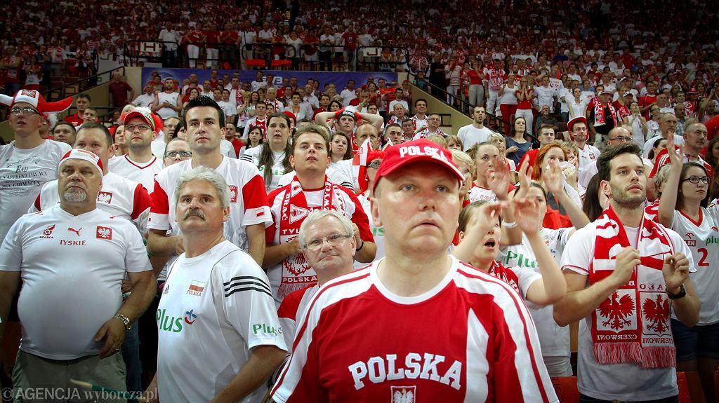 Katowice, 5 listopada. Kibice podczas meczu siatkówki w Lidze Światowej. Polska pokonała USA 3:2