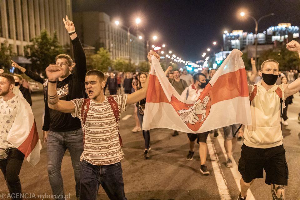 9.08.2020, Mińsk, protesty po ogłoszeniu wyników wyborów prezydenckich.