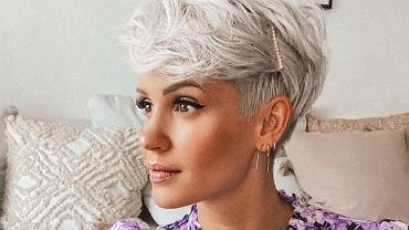 Krótkie fryzury do okrągłej twarzy. Te cięcia wyszczuplają i robią furorę wśród kobiet! (zdjęcie ilustracyjne)