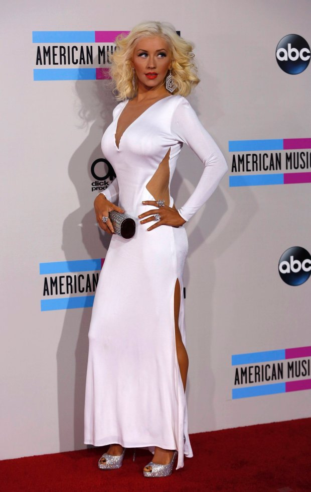 Singer Christina Aguilera arrives at the 41st American Music Awards in Los Angeles, California November 24, 2013.   REUTERS/Mario Anzuoni (UNITED STATES  - Tags: ENTERTAINMENT) (AMA-ARRIVALS)