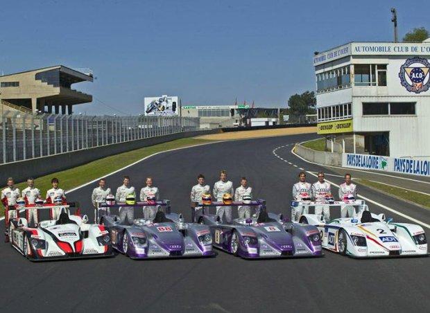 Zespoły Audi przygotowane do wyścigu 24h Le Mans w 2004 roku