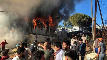 Imigranci podpalili ośrodek na wyspie Lesbos. Zginęła co najmniej jedna osoba
