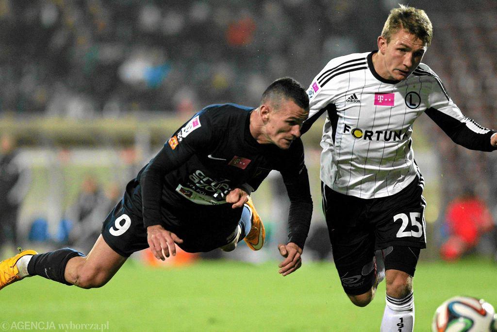 Adam Frączczak i Jakub Rzeźniczak podczas listopadowego meczu Pogoń - Legia (2:1)