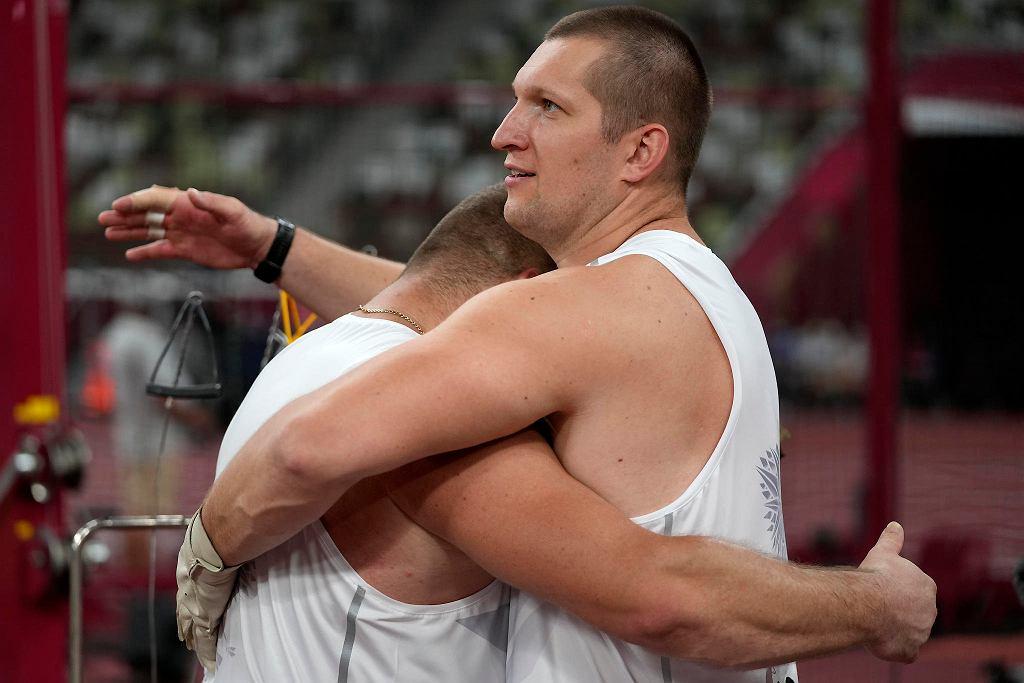 Tokio 2020. Paweł Fajdek i Wojciech Nowicki podczas olimpijskiego konkursu rzutu młotem
