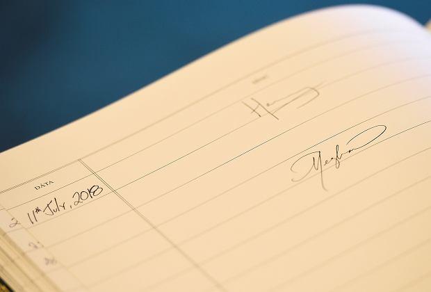 Podpisy księcia Harry'ego i Meghan Markle